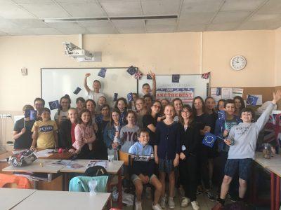 5eme option Langues et Cultures Européennes du collège Saint Michel de Nort-sur-Erdre en Loire-Atlantique. Une remise des prix où enseignants et parents ont été particulièrement fiers des résultats de la classe.