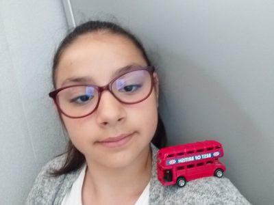 Photo avec le bus anglais.