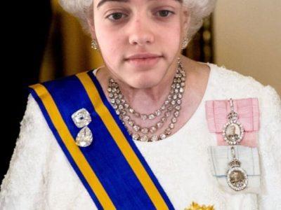 """DOZULE - COLLEGE LOUIS PERGAUD -  La nouvelle reine d'Angleterre version 2050 : """"Anne-Juliette de Galles, Duchesse de Bonnebosq"""" :D"""