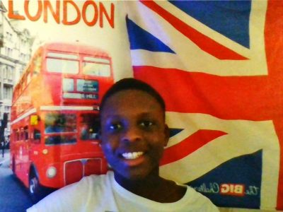Bonjour! Je suis à St Ouen L'Aumone à Marcel Pagnol                               Hello! This BigCallenge is very Good  I love London famous bus Double Decker and enter one of those. I would love to go to the UK and study 'cause I speak English prety well.