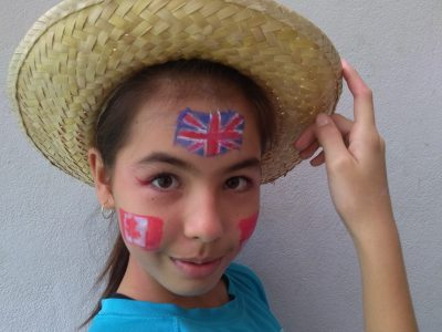 MANA (Guyane) Collège Léo Othily J'ai choisi des drapeaux de pays dans lesquels on parle anglais: Union Jack,Canada and Singapore. J'espère qu'avec ça je serai parmi les finalistes. ;)