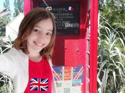SAINT PHILBERT DE GRAND LIEU  ,COLLÈGE LAMORICIERE   Hello, this is Lily from the red phone booth. Do you copy?:)