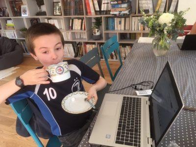 Amiens 80 000  Collège Sainte Famille Sainte Anne Après l'effort le réconfort : Tea Time