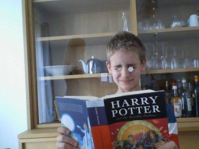 Notre-Dame de Poissy, 5ème Dublin, Louis JOETS - Lunettes Reine d'Angleterre pour lire Harry Potter