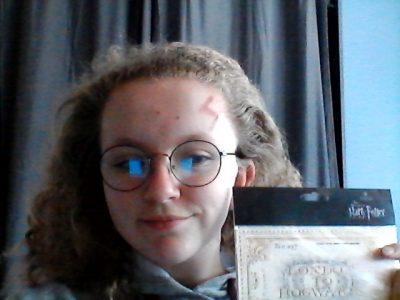 Ville : Saint-Avold Collège: Jean de la Fontaine J'adore la saga d'Harry Potter et je suis allé voir les studios à Londres c'est pour cette raison que je veux apprendre l'Anglais pour un jour pouvoir lire les livres d'Harry Potter en Anglais .