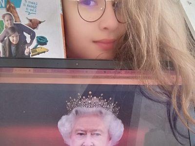 Soisy sous montmorency collège Albert Schweitzer.  J'ai enfin fait la rencontre de la reine d'Angleterre!!! C'était supeeeeeeeer!!!❤❤❤  #reine d'Angleterre #Queen #The big challenge!!!