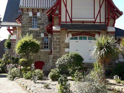 Matoury Collège Saint-Pierre Annexe Collège Sainte-Thérèse  Voici une photo de mes vacances à la Baule C'est une maison française qui ressemble vachement aux maisons anglaises