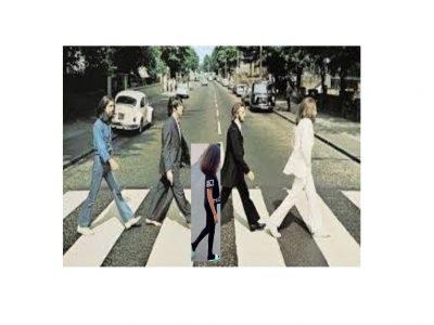 Le nom de mon collège est St Charles à Feillens   J'ai choisis de prendre une photo avec  les Beatles car ce sont des stars à Londre et ils sont connut.