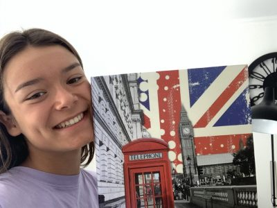 Bonjour, je m appelle Nina Goreini, je suis en 5 ème au collège Ste Marie de Chavagnes à Cannes. J adore Londres et je rêve d y retourner!!!!!