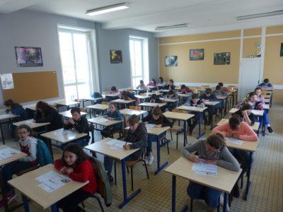 Loudun, Collège Chavagnes. Les 38 élèves ont participé au concours en salle d'étude.