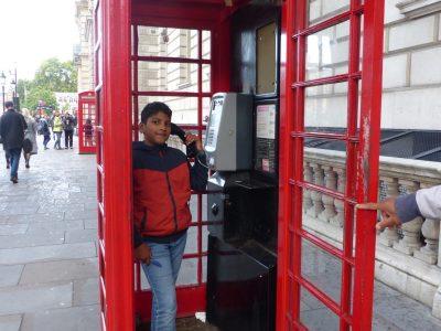 ROISSY EN BRIE  COLLEGE EUGENE DELACROIX En Angleterre, j'ai passé une super journée, j'ai adoré Londres et les cabines téléphoniques.