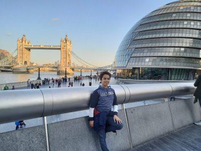 Alès Collège Jean Racine  Voici  une photo de moi à Londres devant Tower Bridge,le voyage était super.