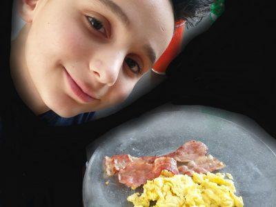 VILLEMOMBLE - SERVITES BLANCHE DE CASTILLE Juste mon petit déjeuner anglais et moi ... What else ?