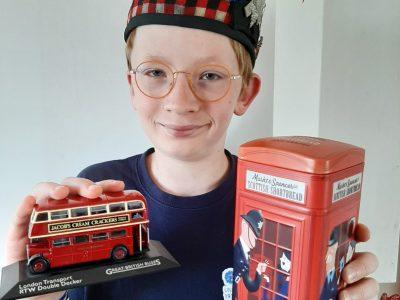 Amiens   Collège Sagebien Découvrez la terre Ecossaise avec le Glengarry et visitez la terre Anglaise et ses téléphones box en London bus!!!