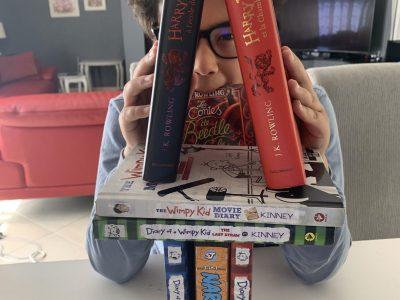 Thonon-les-bains   Collège Sacré-Coeur   Voici une petite photo qui représente la totalité de mes livres en anglais. Je la trouve sympathique et drôle.   Ali SMAALI 5D