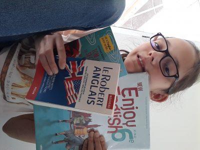 Bazancourt, collège Georges Charpak 51110 Marne J'adore lire l'anglais, c'est passionnant d'apprendre toute ces mots en un seul livre ! Je vous laisse, je replonge dans ma lecture...