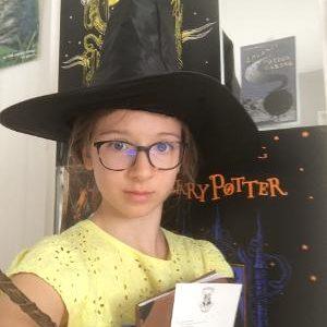 #HogwartsSchool #LeakyCauldronInLondon #GoToHogwarts #HogwartsInScotland   Hello ! ma passion c'est Harry Potter et comme on retrouve plusieurs villes et pays anglais , je me suis dit que je pourrais poster une photo en rapport avec cette saga  Clara MACHECOURT College Jules Ferry Hyeres 5°G