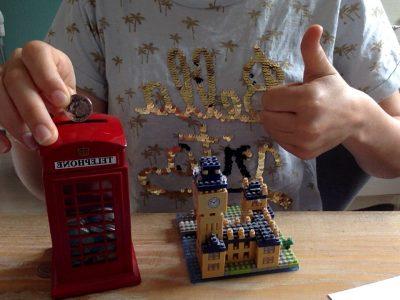 College Don Bosco Violaine  Ma tirelire avec de l'argent anglais et une figurine de Big Ben