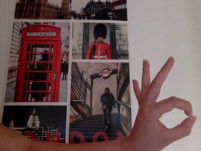 paris75016 collège: L'institut l'assomption Ce poster me fait voyager malgré que je suis dans ma chambre on m'a beaucoup parler de Londres ce pays magnifique et de ses rues vivantes =3