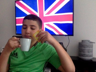 Rixheim collège Capitaine Dreyfus  It's tea time.