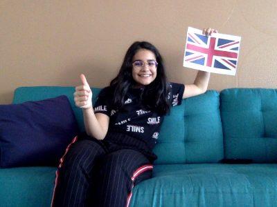 bonjour j'habite à Mulhouse et je suis au collège Jean 23   J'ai fais une photo de moi avec un drapeau de l'Angleterre. J'espère que vous aimerez cette photo ;)! BONNE JOURNÉE!!