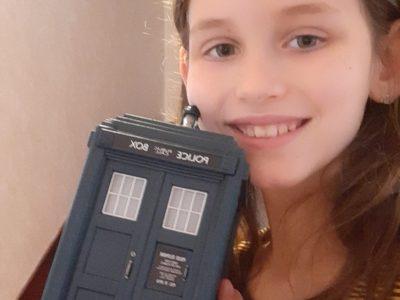 St Anne de Plougastel daoulas je suis fan de la série anglaise docteur Who  j'adore son tardis cette série n'est pas très connue en france mais elle est dispo sur amazon prime