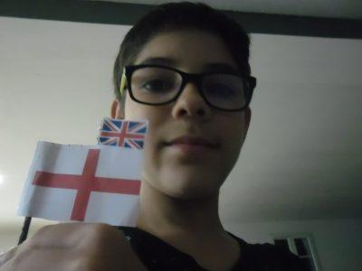 Aires-sur-l'adour collège Gaston Crampe  Voici deux drapeaux