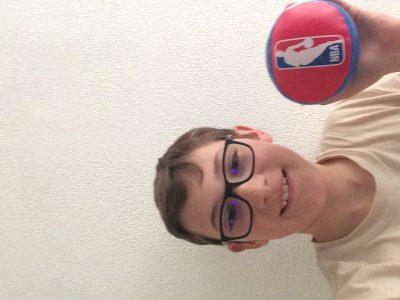 Sanary-sur-Mer/Collège la guicharde  Quand je suis allé a Londre, j'ai acheté cette petite balle et c'est mon souvenir de londre