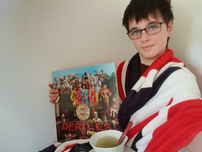 """AGNEAUX INSTITUT SAINT-LO  Commentaire : """"I drink a cup of tea when I am listening The Beatles. """""""