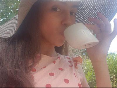 Livry-Gargan   collège Léon Jouhaux  It is tea time!! Join me!!