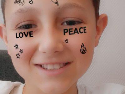 MONTBRON collège FRANCOIS MITTERRAND  L'amour et la paix   =    love   peace