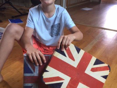 Onet le Chateau Collège Canaguet Saint Viateur quelques objets avec le drapeau anglais !!!