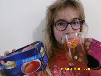 Ancerville Collège Emilie Carles  It is tea time !(C'est l'heure du thé!)