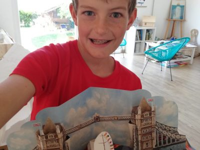 MONTBELIARD  Collège Saint-Maimboeuf  It's the Tower Bridge of London, I love it. I love Padington and the picture comes from Padington'spop up book !
