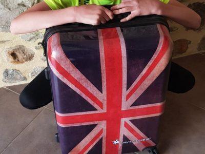 Ville Saint Pierre La Cour nom du collège Notre Dame j'adore ma valise je la prend à tout les voyages que je fais.