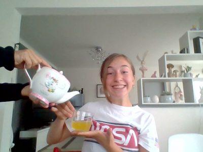 CERNAY COLLEGE RENE CASSIN   it's tea time !