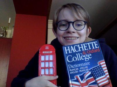 Dutlenheim  Collège Nicolas Copernic  Un dictionnaire franco anglais au cas ou. Et une tirelire pour l'argent anglais.
