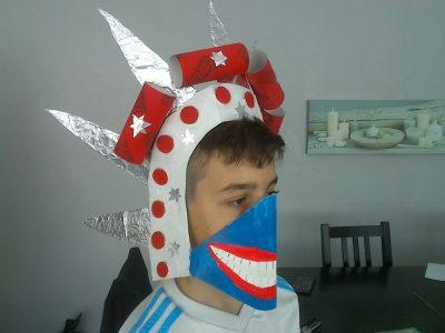 Marignane, Collège Georges Brassens : masque fait pendant le confinement sur le thème de la liberté et j'ai choisi la statue de la liberté