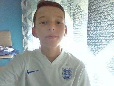 cazouls-les-Béziers  collège jules ferry  maillot de foot de l'Angleterre