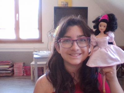 collège de la largue Seppois le haut la Barbie pour moi est la reine d'Angleterre.