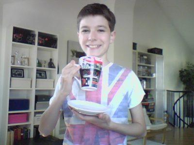CALAIS Collège Saint-Pierre I love English with a cup of tea.