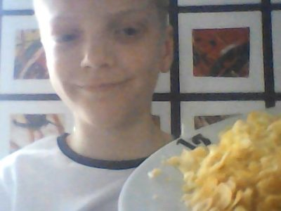 Ville:Cholet. Nom du collège: Joachim Du Bellay. Ma photo représente le petit  déjeuner londonien : œufs et corn-flakes !