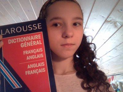 Paris, collège Robert Doisneau. Commentaire : N'ayant aucun autre objet sous la main en rapport avec l'Angleterre, j'ai pris mon dictionnaire d'anglais. J'en suis désolée.