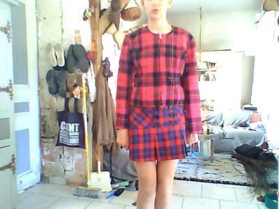 azay le rideau college honoré de Balzac. j'ai choisi cette photos car elle mais en valeur les vêtement écossais donc un élément de l'Angleterre j'ai choisi un kilt et une veste qui en était assortie
