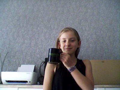 Collège Victor Demange. Bonjour je m appelle Léa. J'ai 12 ans. J'habite a Condé-Northen