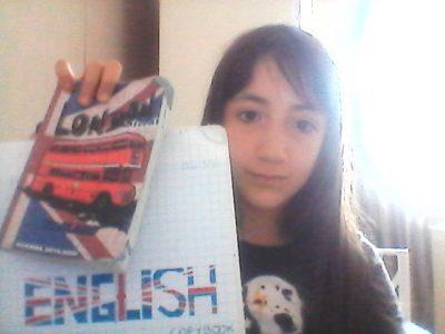 Lyon  Collège Vendôme C'est une photo de mon cahier d'anglais et de mon agenda qui représente Londres