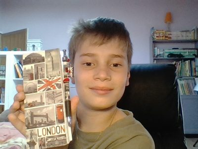 Je m'appelle Clément Laporte et je suis au collège Saint Louis à Toulouse et c'est une photo d'un carnet qui vient de Londres
