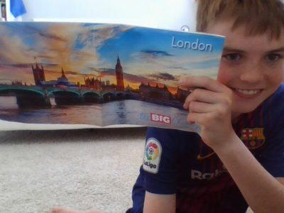 Ville : Rennes NOM du collège : Notre-Dame-du-Vieux-Cours commentaire : Voici une photo de moi et du poster avec Londres dessus donc je vais tenter ma chance avec se poster