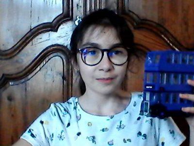 33820 SAINT CIERS SUR GIRONDE  Collège Jean Monnet      ma photo représente le bus d' Harry Potter. J'adore l'anglais et le big challenge. Célestine