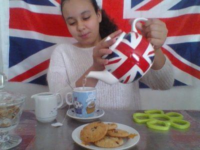 Collège Louis Nicolas Vauquelin à Toulouse . Bonjour j'espère vraiment vous impressionner avec ma photo Tea Time !!! Car j'ai vraiment une immense envie de gagner cette magnifique caméra pour immortaliser tous mes moments !!!!!!! Et j'ai adoré le big challenge merci beaucoup !!!!!!!!